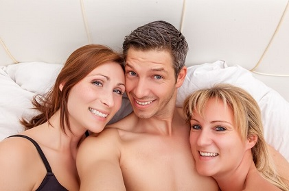 threesome dating website